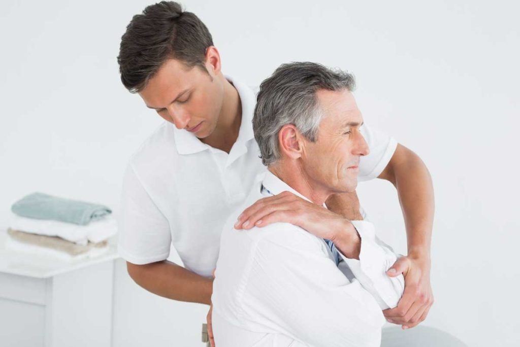 chiropractor and upper back pain