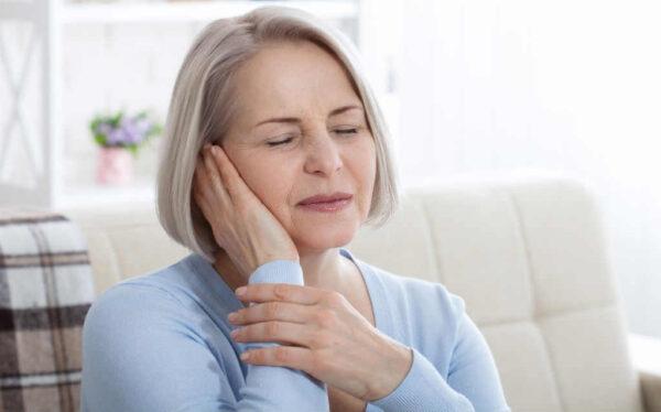 اعراض التهاب العصب الخامس
